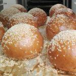 """Pains à burger (dit """"buns') de Lorette"""