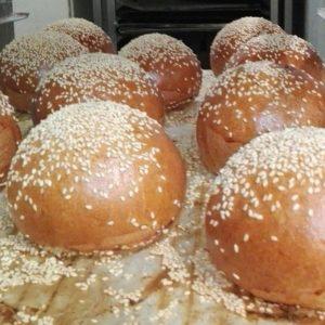 """Pains à burger (dit """"buns"""") de Lorette"""