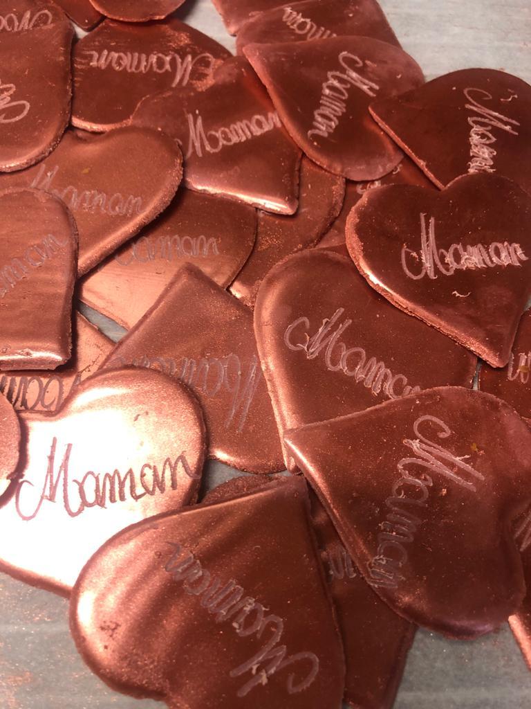 Coeurs en chocolat pour la fête des mamans