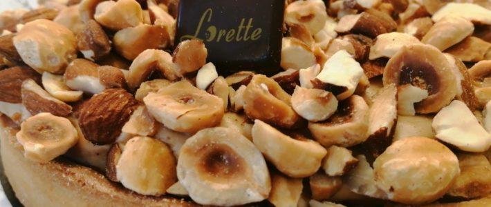 FOLIE amandes et noisettes, tarte entremets praliné de Lorette, boulangerie à Paris